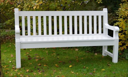 """eine besondere Geschenkidee zur Hochzeit Geburtstag suchen Holz Gartenbank  suche weiße Landhausbank  Parkbank """"Brüssel"""""""