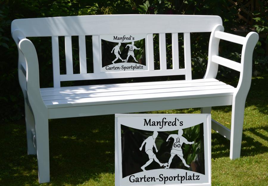 Diese Gartenbank Ist Eine Personalisierte Geschenkidee Für Fußballer Und  Der Ü 60 Garten Sportplatz FB4 Ist Eine Witzige Geschenkidee Für  Fußballfans.